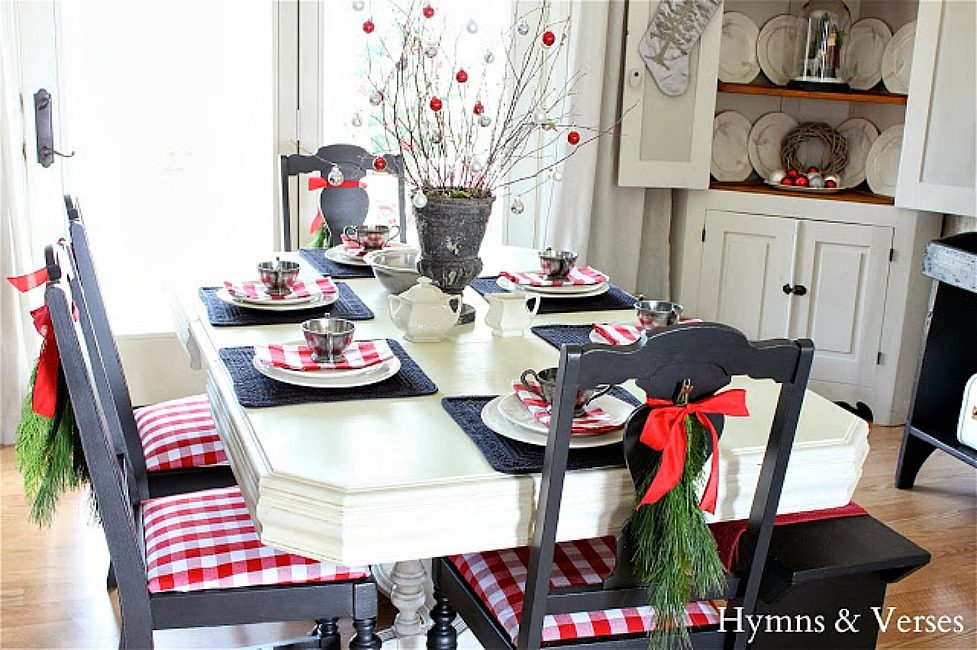 Red and White Check Christmas Dining Room - Hymns and Verses Blog