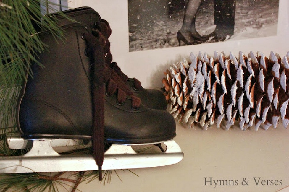 Cozy Winter Home - Vintage Ice Skates