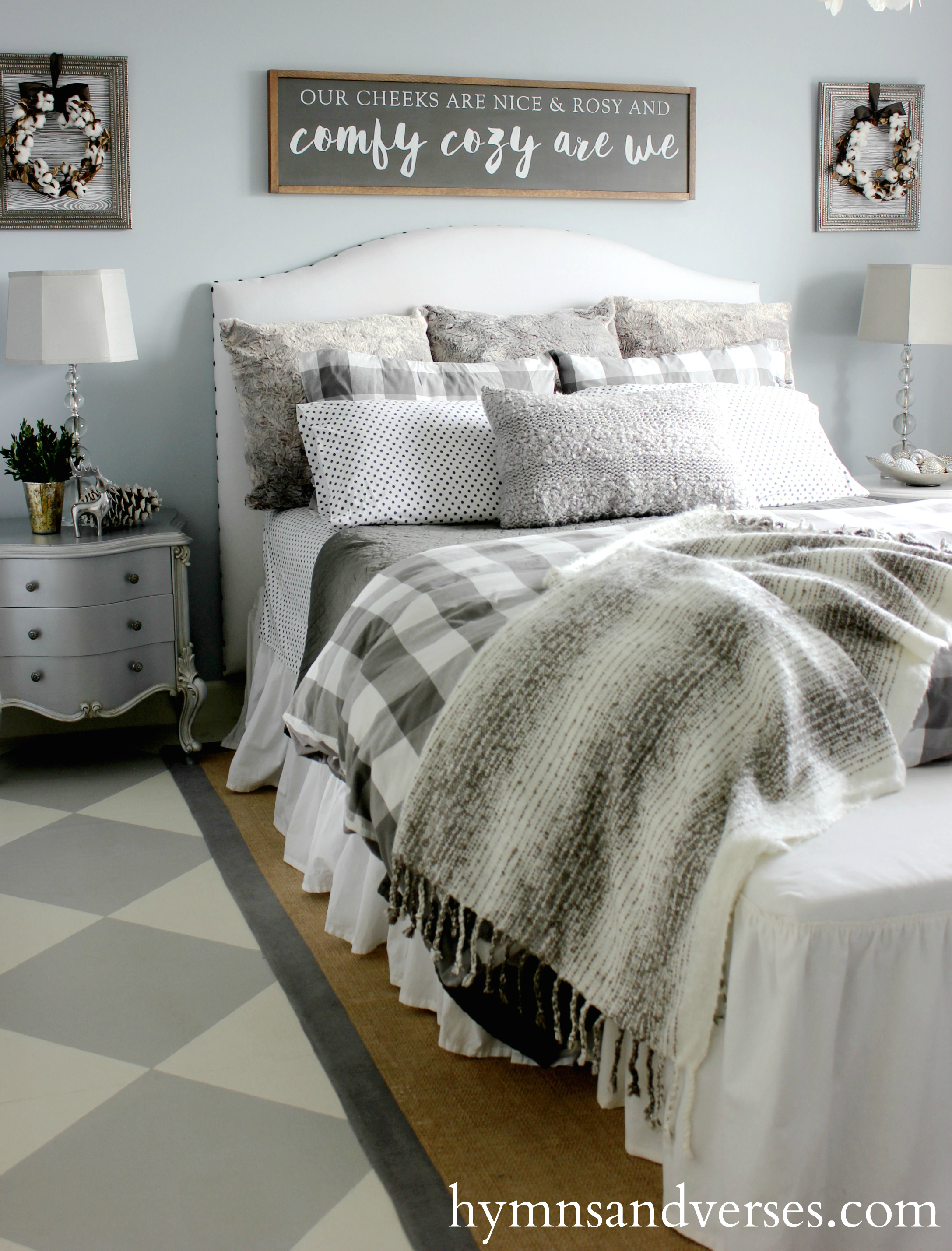 Comfy cozy winter bedroom - Winter bedroom decor ...