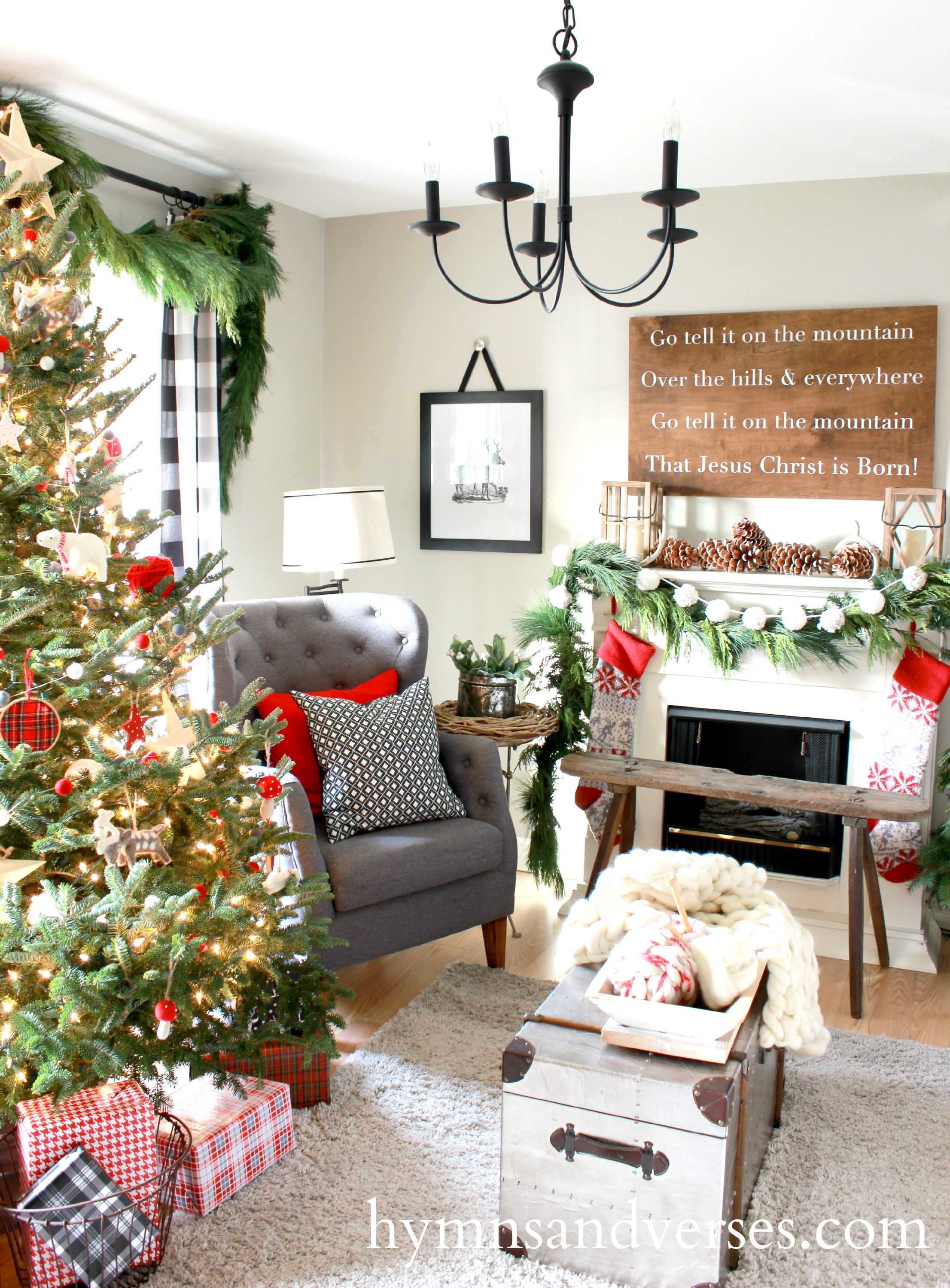 2015 christmas home tour part 1 hymns and verses. Black Bedroom Furniture Sets. Home Design Ideas