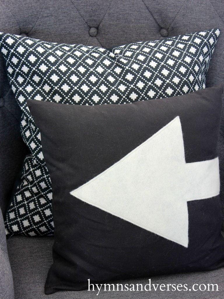 Arrow Pillow Cover - Winter Living Room