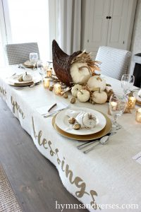 Thanksgiving Table & Pie Box Giveaway Winner