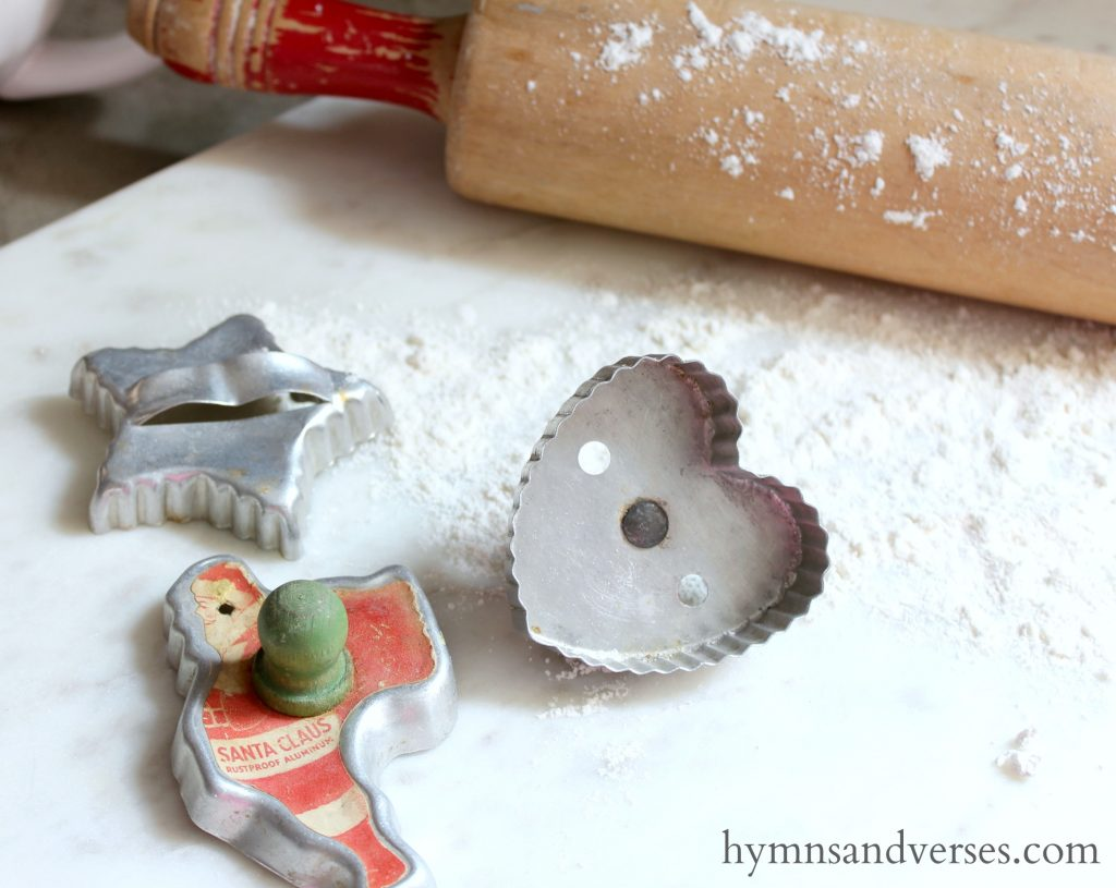 Vintage-Cookie-Cutters-Hymns-and-Verses