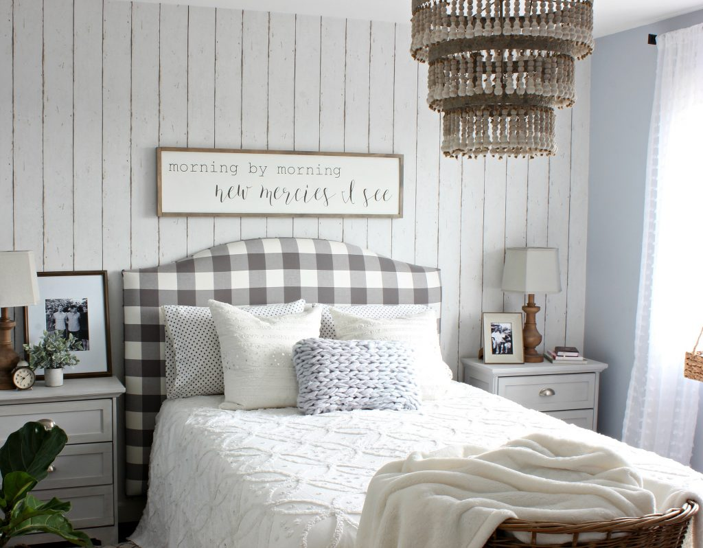 Savvy southern style wow us wednesdays 316 for Wood wallpaper bedroom