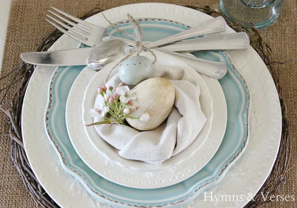 Top 10 DIY Projects - Bird Nest Napkin Fold