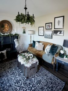 Living Room Christmas Gallery Wall & Free Printable