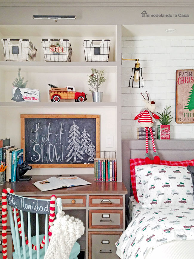 Christmas Boy Room - RemodelaCasa